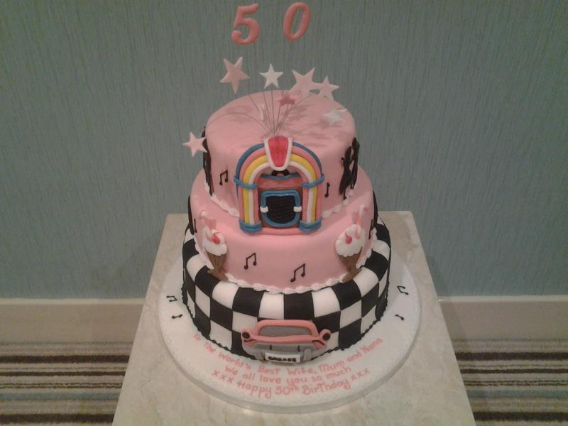 50s Themed Cake In Pink With Jukebox For Natalies Suprise 50th Birthday Party At North Shore